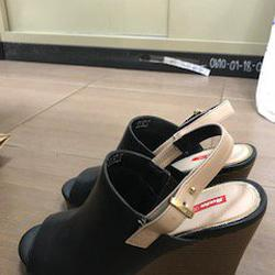 รองเท้าสีดำส้นตึก Bata Red Label เบอร์ 6.0 รูปเล็กที่ 1