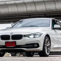 BMW All New Series3(F30) 330e M Sport Plug In Hybrid.2018 รูปเล็กที่ 4