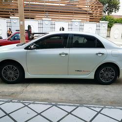 TOYOTA ALTIS SPORTIVO TRD 1.8 รถปี 2011 สีขาว รถบ้าน สวยมากครับ  รูปเล็กที่ 2